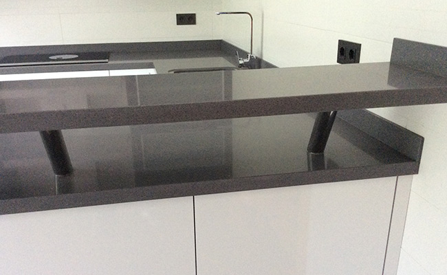 Altura de encimera de cocina finest barras de cocina qu for Altura encimera cocina